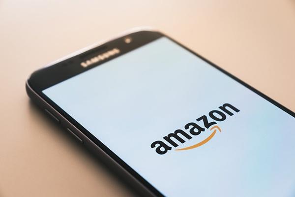 Diventa influencer per Amazon